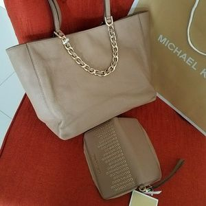 Michael Kors Bags - New set incluided wallet and handbag MICHAEL kors